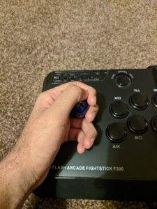 How to hold a fightstick - wine glass grip